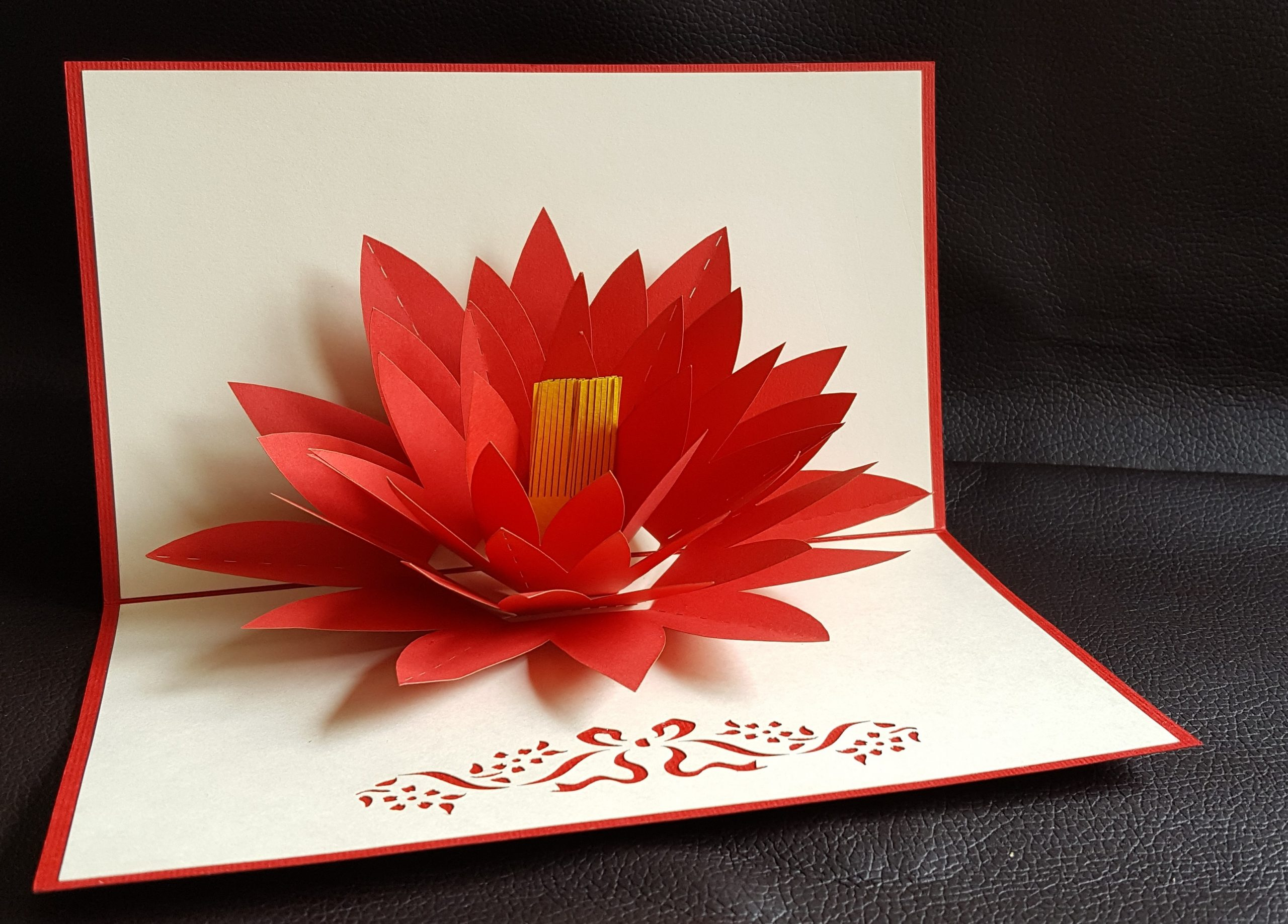 Beautiful DIY Paper Flower Photo Card